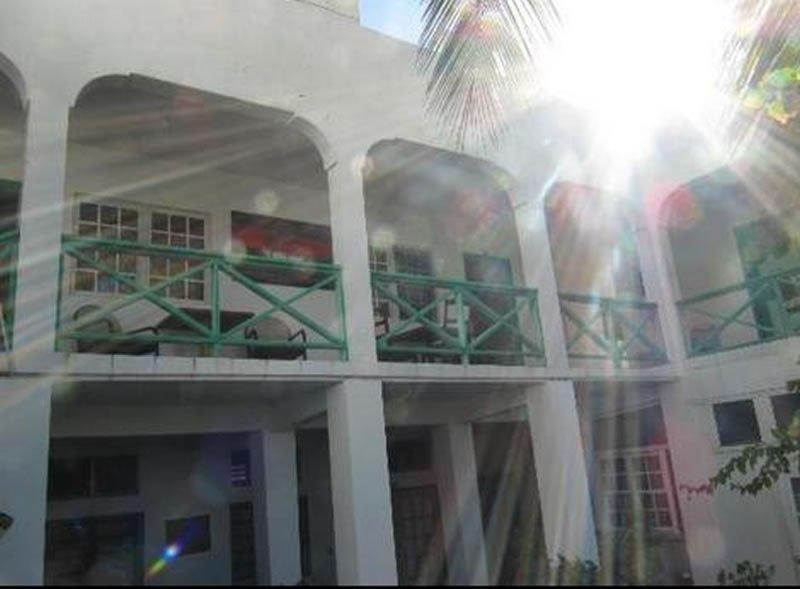 Edwards Inn (formerly Sydans Apartments)